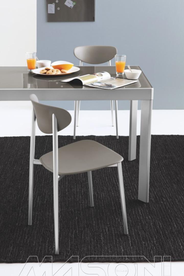 Plano tavoli tavoli allungabili oeg by calligaris for Sedie struttura acciaio satinato